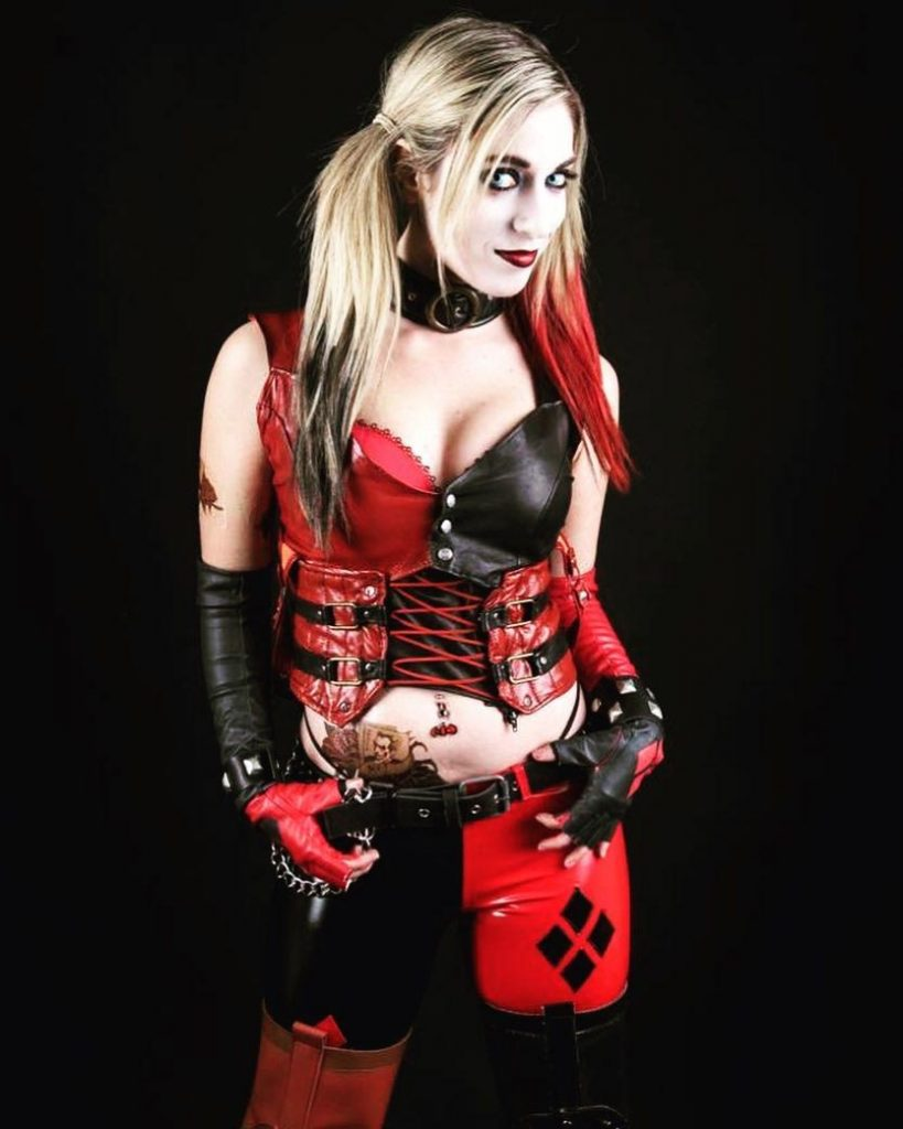 Harley Quinn Arkham City Cosplay by Amanda