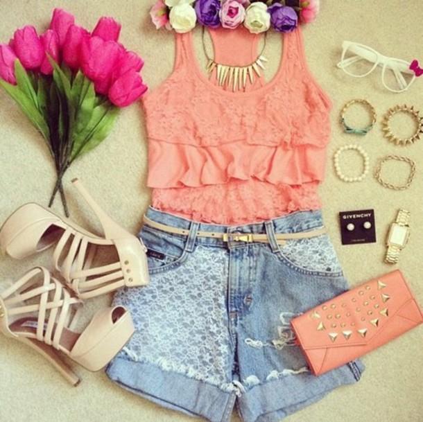 Top + Shorts + Necklace + Bag + Shoe