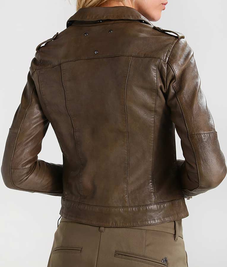 HUGE selection of quality mens Leather Jackets online at Caine Leather. Shop through our range of styles and order online today. FREE UK Delivery.