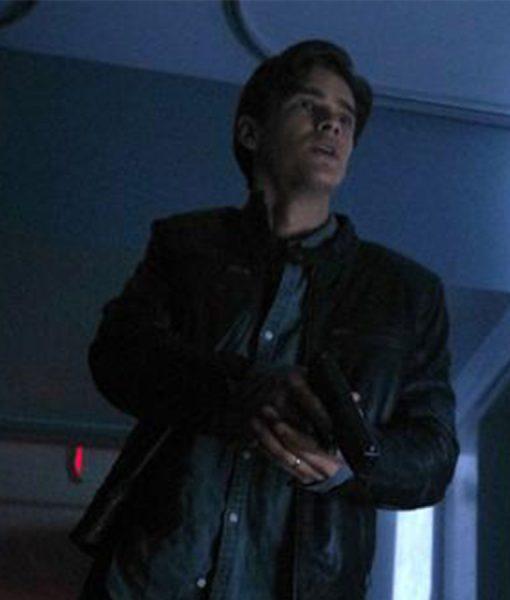 Brenton Thwaites ttians Black jacket