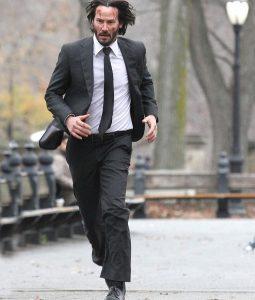 John Wick 2 Keanu Reeves Suit