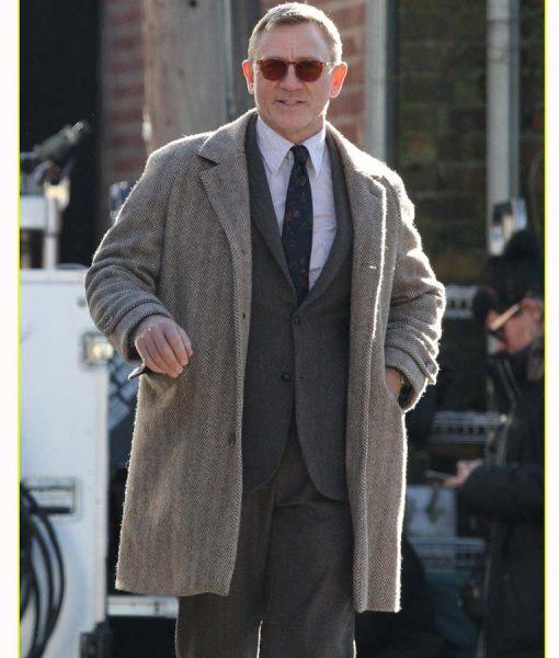 Benoit Blanc Knvies Out Suit