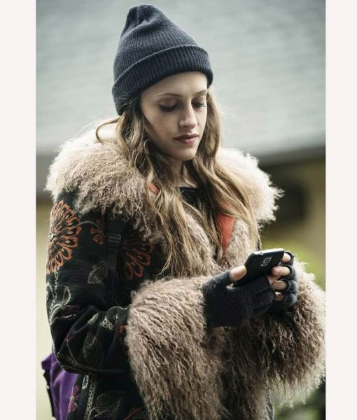 Mr. Robot S04 Darlene Fur Coat