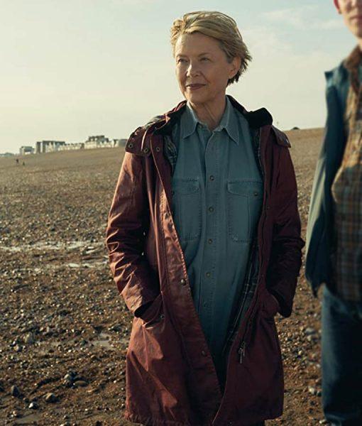 Annette BeningHope Gap Coat