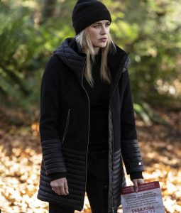 Legends Of Tomorrow S05 Ep9 Sara Lance Hooded Coat