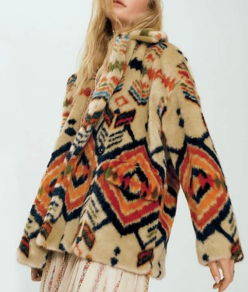 Dominique Provost-Chalkley Wynonna Earp S04 Fur Coat