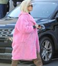 Keeping Up With The Kardashians S19 Khloe Pink Fur Coat