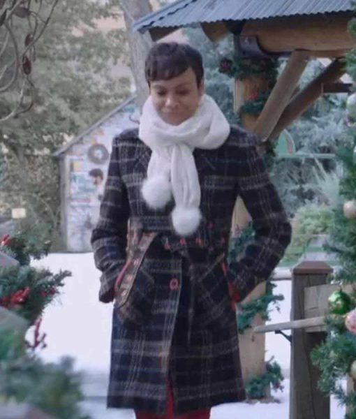 Lena Huber Christmas in Vienna Tina von Carlowitz Checked Coat