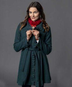 Taylor Cole Unlocking Christmas Coat