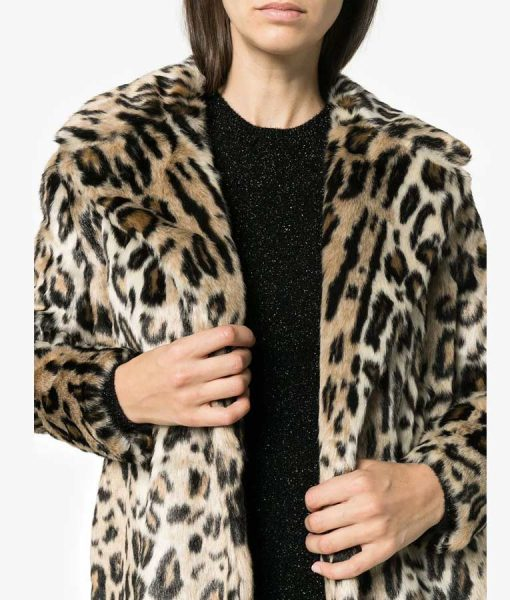 Molly Bernard Younger S06 Lauren Heller Cheetah Print Fur Coat