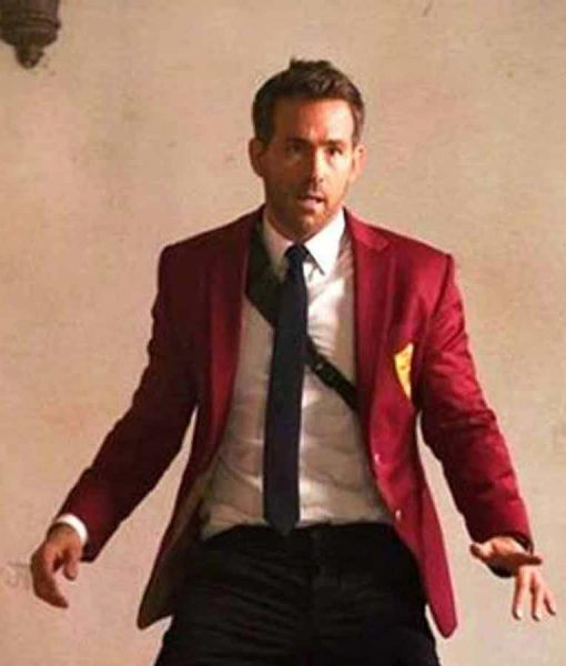 Red Notice 2021 Ryan Reynolds Red Blazer