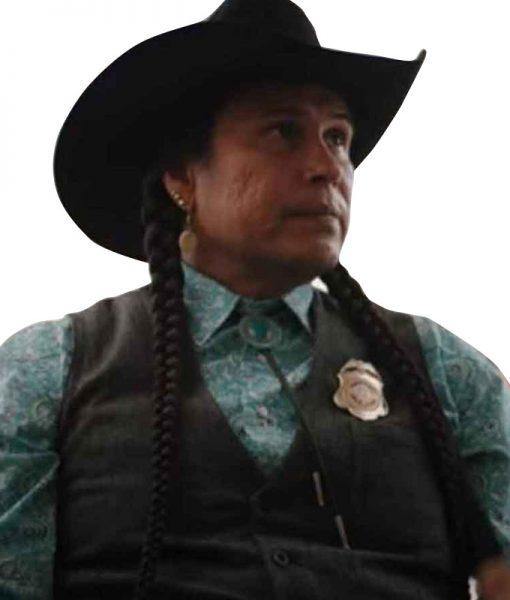 Yellowstone-S04-Mo-Brings-Plenty-Vest