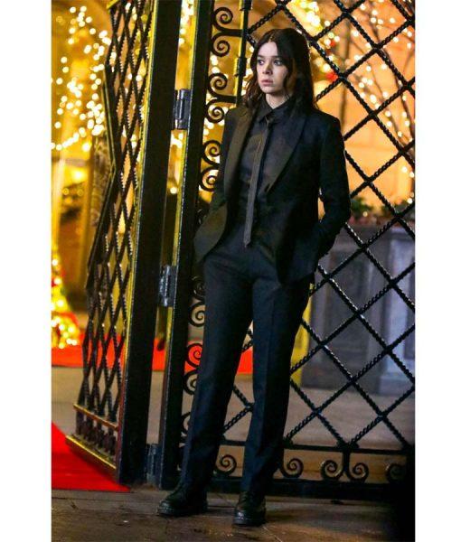 Hailee Steinfeld Kate Bishop BlackTuxedo Suit